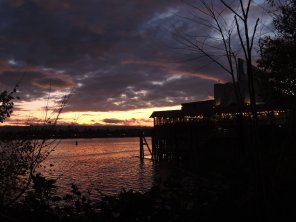 a local restaurant on the columbia river gives dinners a grand view, unless you're fighting.